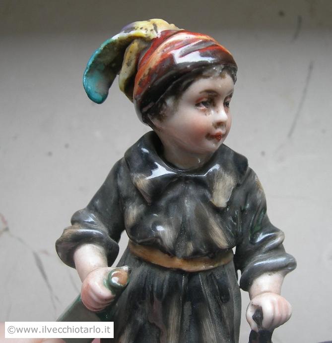 Ceramica di Capodimonte statuina autentica 800 del XIX secolo -> Lampadari Antichi Capodimonte