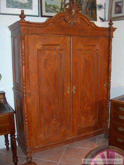 armadio antico 800: vendo armadio arredamento