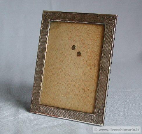 Cornici argento antiquariato for Portaritratti legno