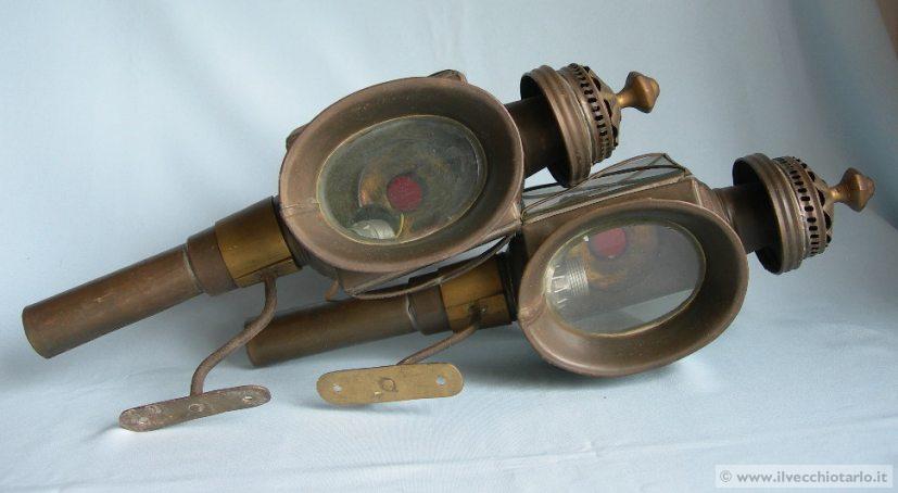 Lumi da comodino antichi antichi lumi lanterne da carrozza for Lumi da comodino