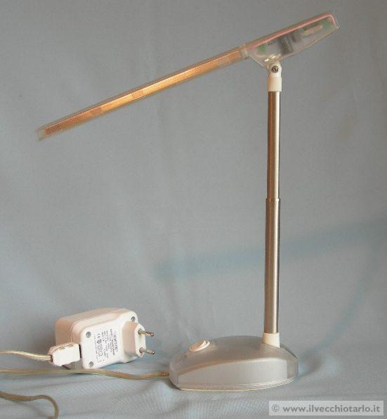Lampada e light artemide design ernesto gismondi