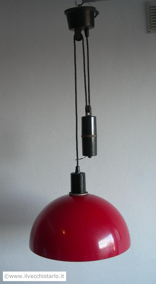 Lampadario rosso con saliscendi vintage Stilnovo? Kartell?Design -> Lampadari Cucina Con Saliscendi