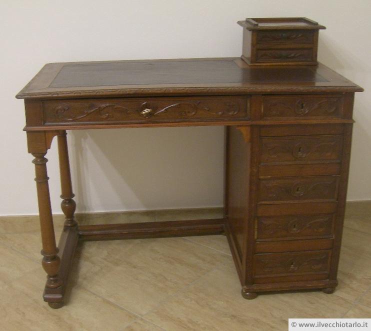 Piccolo scrittoio antico piccola scrivania for Scrivania piccola