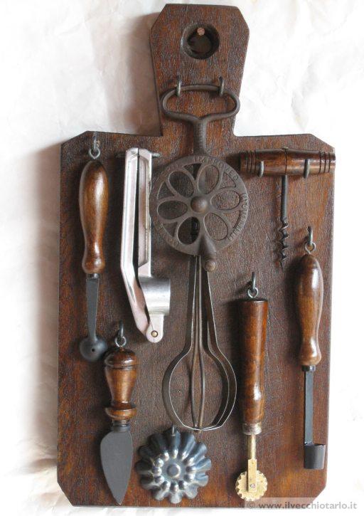 Antichioggetti cucine su tagliere legno massello for Oggetti antichi in regalo