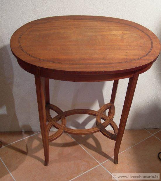 Tavolino da salotto inglese idee per il design della casa - Tavolino bimbi ikea ...