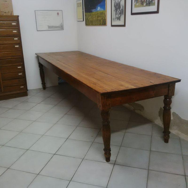 Grande tavolo abete arte povera antico da taverna agriturismo cantina