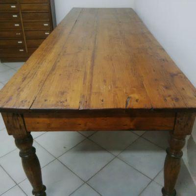 Grande tavolo abete arte povera antico da taverna for A tavolone